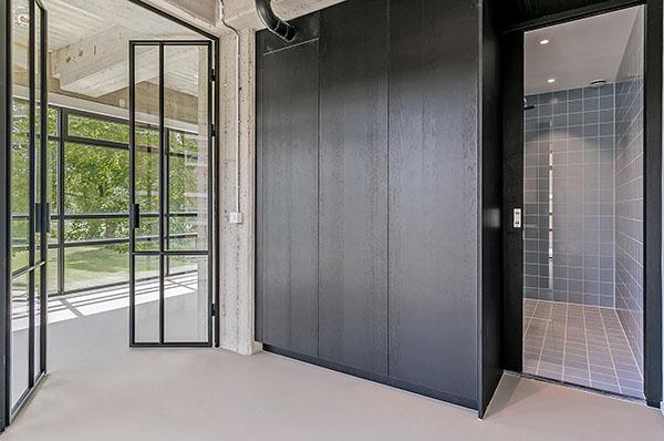 Maassluisstraat 414-416 Amsterdam badkamer stalen deuren